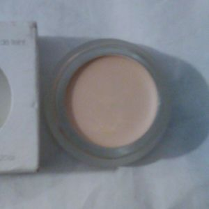 RMS Beauty Un Cover Concealer in 000
